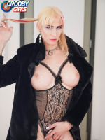 Following her hot Grooby Girls comeback released a couple of weeks ago, the amazing River Enza returns with yet another smashing Radius Dark produced scene! Looking sexy as hell in her fur coat, River...